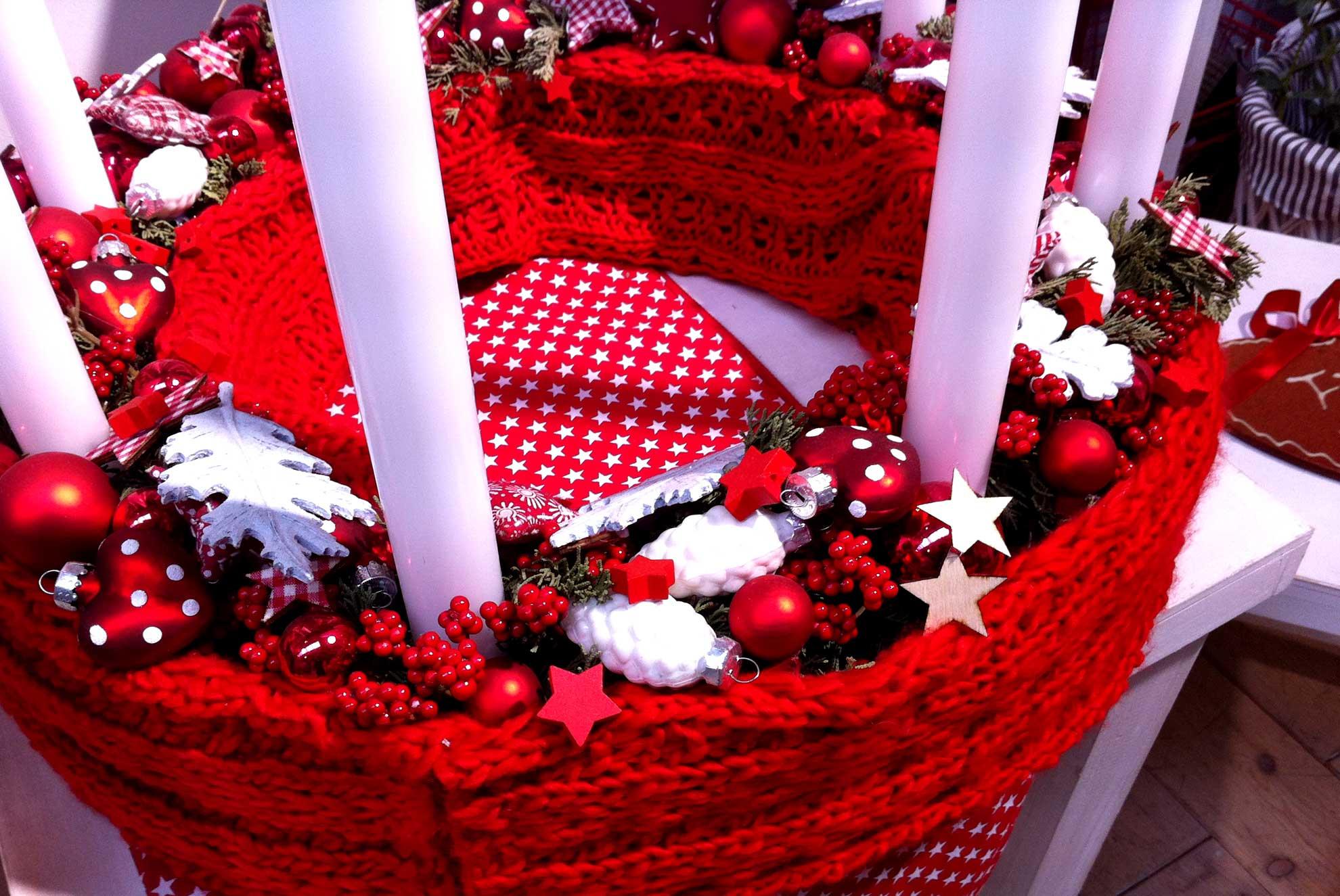 D coration florale de no l fleuriste au jardin de julie - Decoration florale noel ...